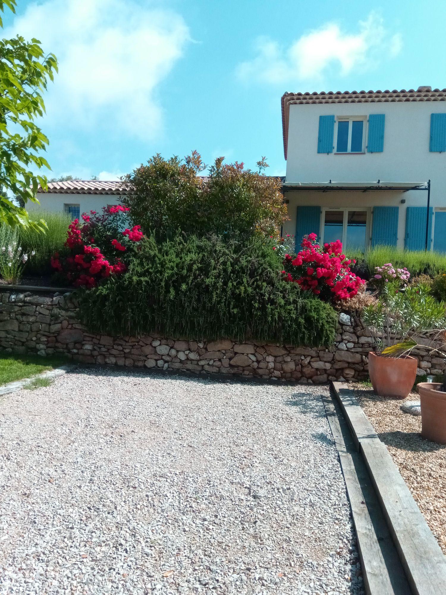 Aménagement de jardin pour particuliers à Saint Maximin dans le Var - JA.D.E Espaces verts - JA ...