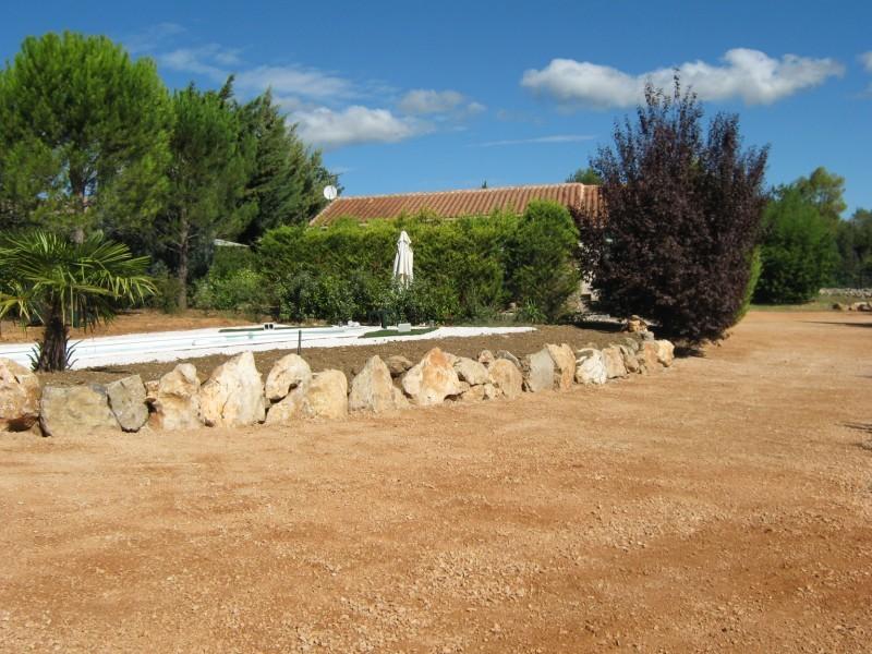 Le cheminement chemin pi ton all e carrossable saint maximin dans le var jardinier - Allee de jardin en tout venant ...