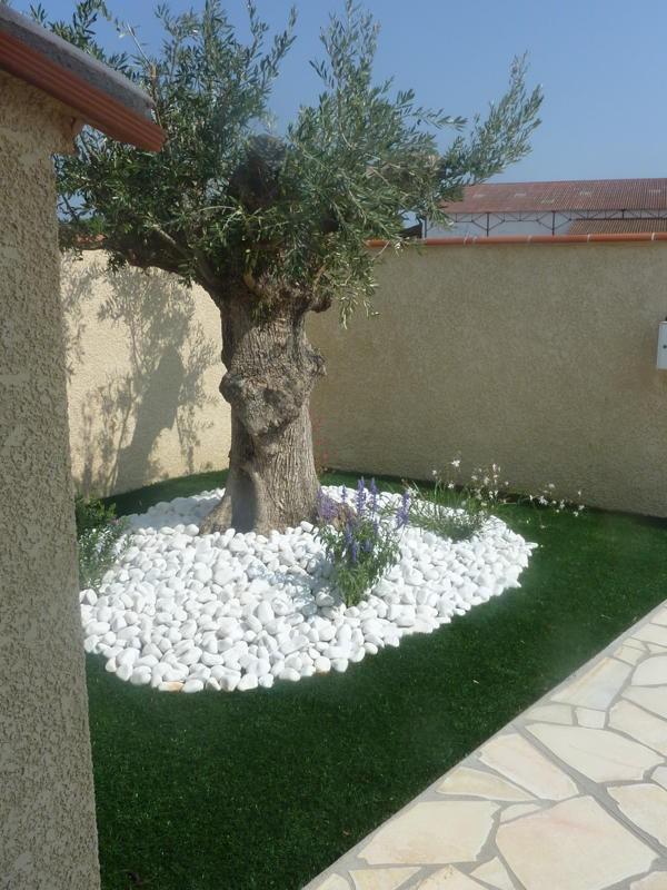 gazon synth tiques marseille 13013 dans les bouches du rhone jardinier paysagiste saint. Black Bedroom Furniture Sets. Home Design Ideas