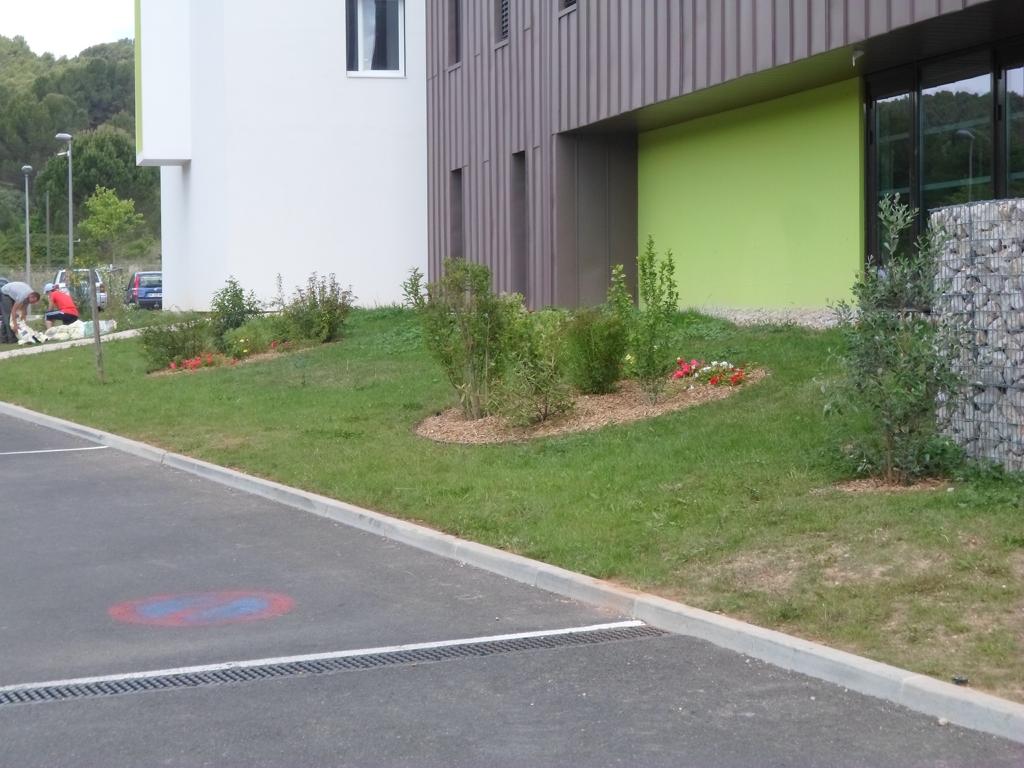 Mur anti bruit jardin conseils accueil design et mobilier - Mobilier jardin narbonne saint etienne ...